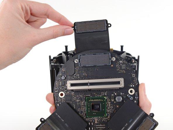 Mac Pro Late 2013インターコネクトボードの交換