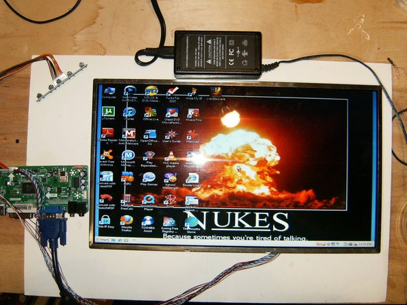 The LCD driver requires 12Volt to work, I used a spare 12V 1.4A switching power supply. the LCD fired right up and displayed a crisp image.