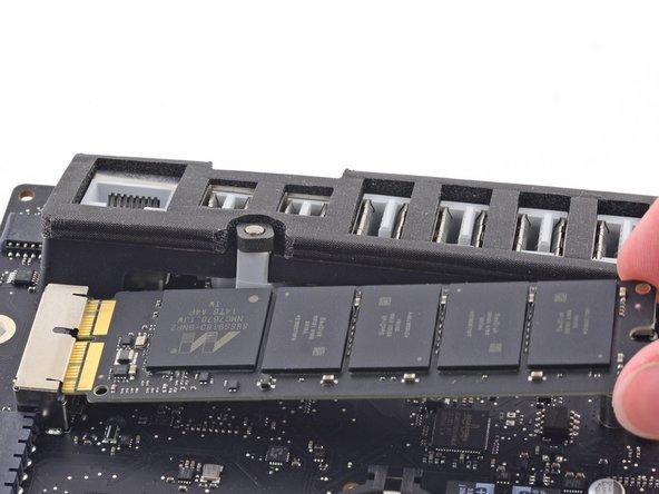 "iMac Intel 21.5"" Retina 4K Display Blade SSD Replacement"