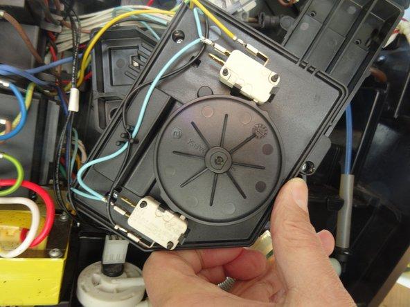 Siemens Surpresso Compact Mikroschalter am Antrieb austauschen