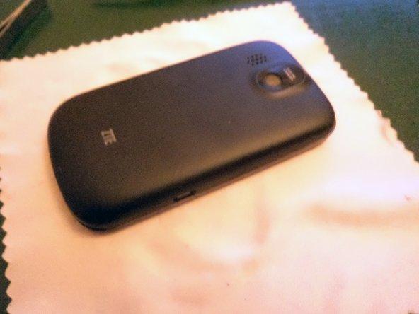 Disassembling ZTE Racer II Phone