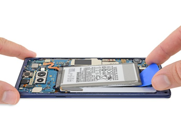 The battery's still glued down in a miserable sticky well—but the Note8 didn't blow up so the design is justified, eh Samsung?