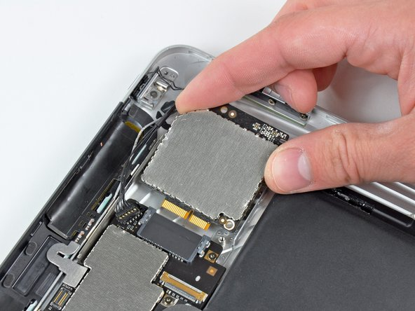 iPad 3G Communications Board Replacement