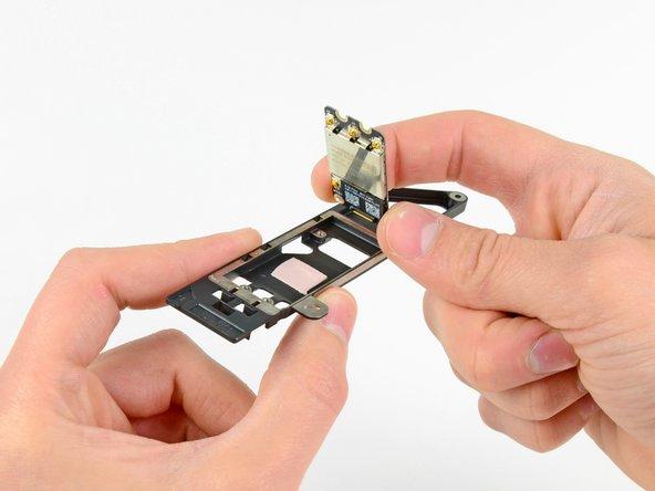 MacBook Pro 15インチ Unibody Mid 2012 AirPort/Bluetoothボードの交換