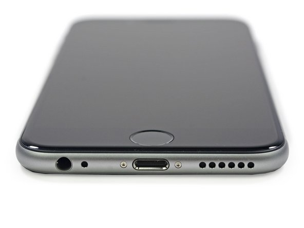 The rounded corner design of the iPhone 6 is very reminiscent of the first generation iPhone, sans the Lightning connector and Pentalobe screws.