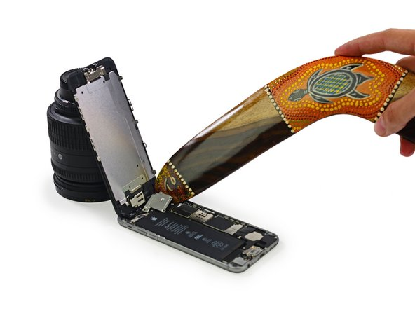 This step may feature the improper use of a boomerang, performed either by professionals or under the supervision of professionals. Accordingly, iFixit must insist that no one attempt to recreate or re-enact any boomerang-related repairs performed during this teardown.