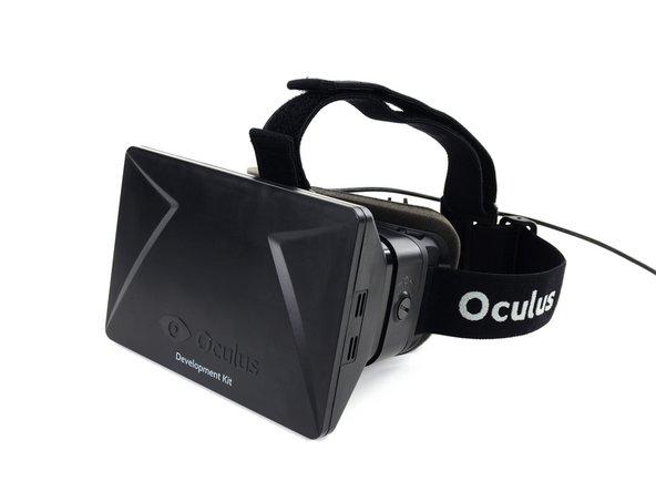 它不是一个全息的—相反,Oculus提醒了护目镜和平板电脑之间的交互点