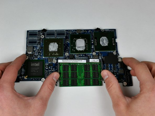 "MacBook Pro 15"" Core 2 Duo Models A1226 and A1260 Logic Board Replacement"