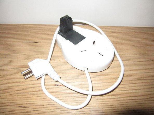 La bouilloire est un ustensile de cuisine utilisé pour porter un liquide à ébullition. Les bouilloires électriques, objets de cette étude, disposent d'un chauffage intégré.