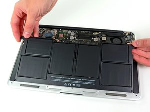 """MacBook Air 11"""" 2011 中期 电池更换"""