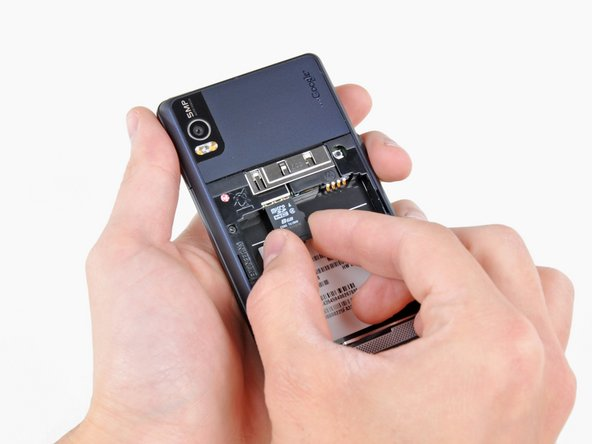 The Droid 2 comes pre-installed with an 8GB microSD memory card that can be easily slid out of its socket.