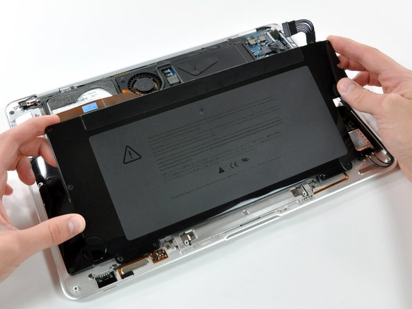 MacBook Air 型号 A1237 和 A1304 电池更换