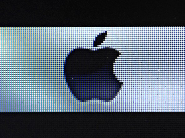 What does an Apple logo or Finder icon made up of 220 pixels per inch look like up close?