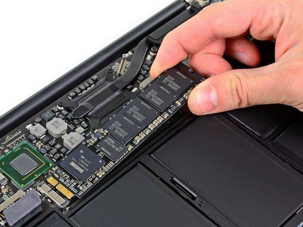 """MacBook Air 11"""" Mitte 2012 Solid-State Drive austauschen"""