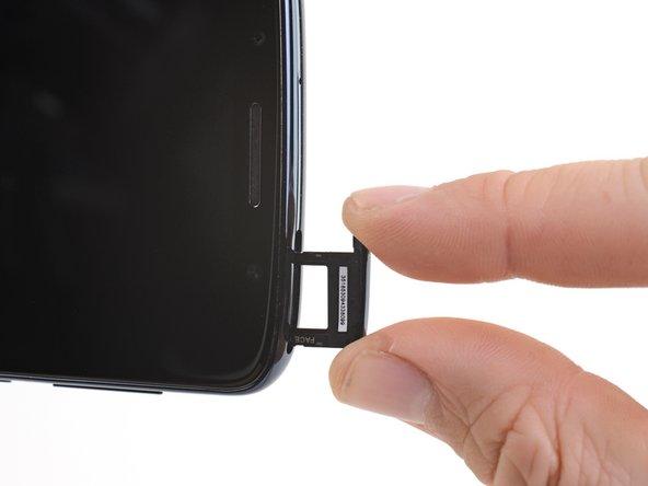 Remplacement du tiroir de carte SIM du Motorola Moto G6