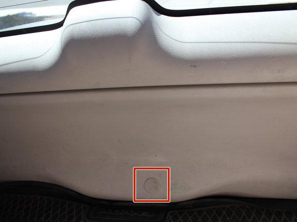 How to Repair a Jammed 2007 GMC Envoy Tailgate