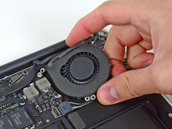 MacBook Air 13インチ Mid 2011ファンの交換
