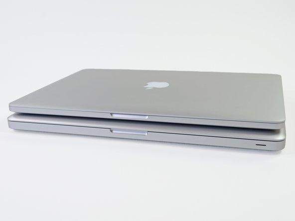 Wir wollten sehen, wie sich das MacBook Pro von Mitte 2012 gegen sein neues Geschwistermodell, das MacBook Pro mit Retina-Display, durchsetzt. Abgesehen vom Größenunterschied sind die Hauptunterschiede zwischen den Geräten: