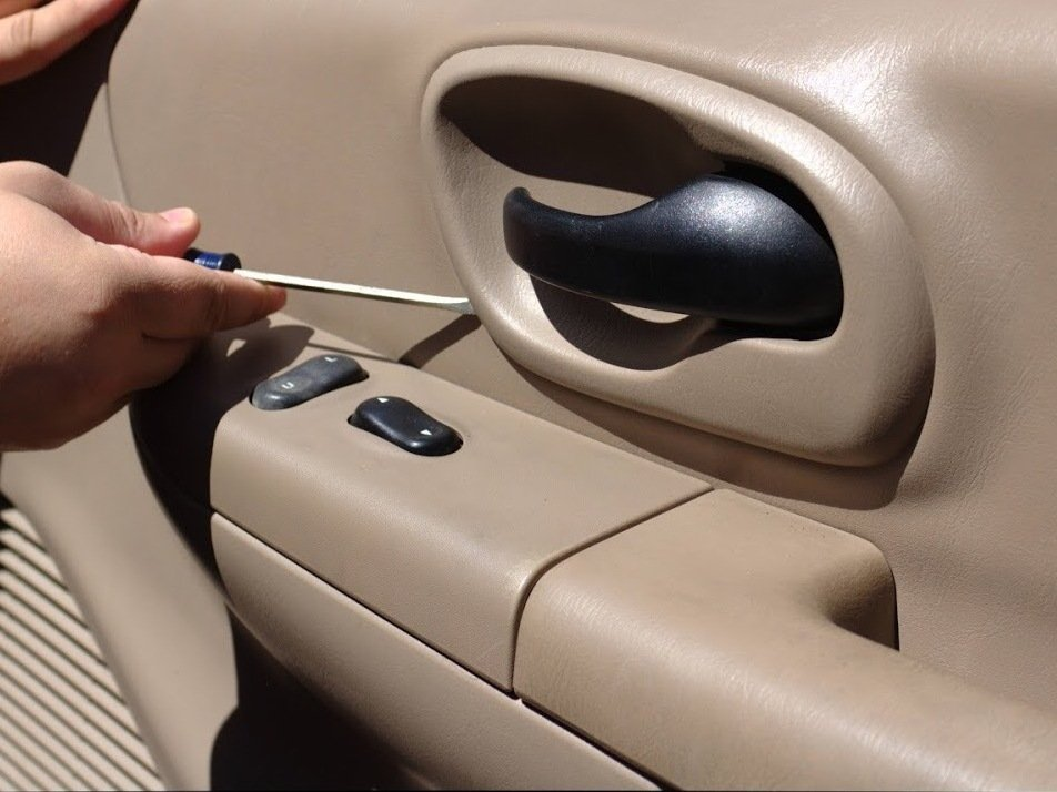 1997-2003 Ford F-150 Power Side Mirror Replacement