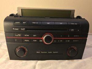 2004 Mazda 3 Stereo-CD Player (BN85-66-9RXA) Disassembly