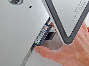 "Installation de mémoire RAM dans l'iMac Intel 27"" EMC 2390"