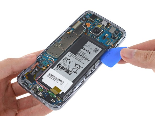 Samsung got some flak  from consumers for reducing battery capacity in last year's S6. It seems they took the hint and made up for it by including this 3000 mAh  battery in the S7.