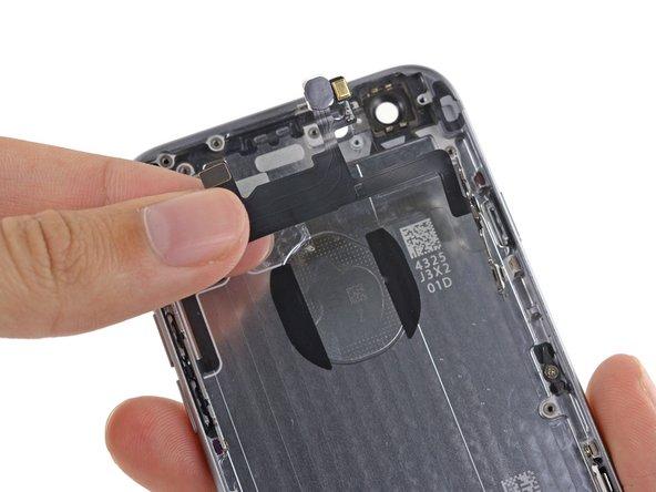 Reemplazo del ensamblaje del cable del botón de encendido del iPhone 6