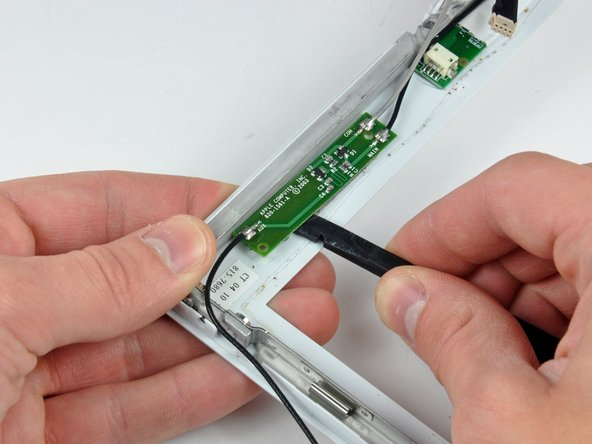 "If you have a 1.33 GHz 12"" G4 iBook, simply remove the Inverter/AirPort cables."