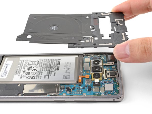 Samsung Galaxy S10+ Top Midframe Removal