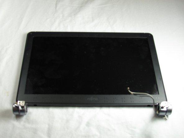 Remplacement du moniteur du Fujitsu LIFEBOOKP7010D