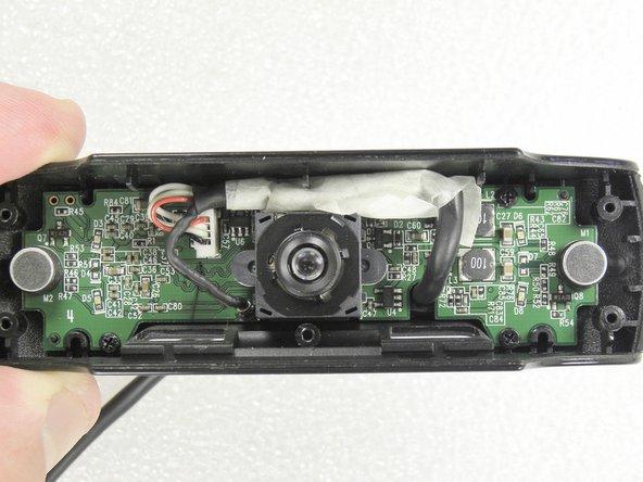 O cabo recuperado foi montado na câmera. Revesti-o com uma fita crepe. Câmera testada: OK !