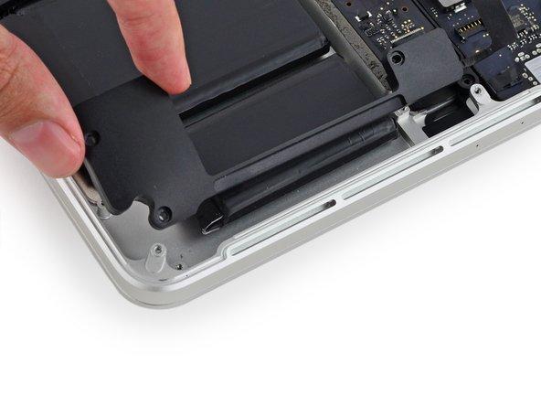 """MacBook Pro 13"""" Retina Display Mitte 2014 linken Lautsprecher austauschen"""