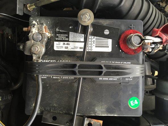 Ersetzen einer Klemme der Autobatterie