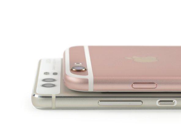 Huawei hat  es geschafft, Apple im Kampf um den ebenmäßigsten Smartphonerücken zu schlagen und überzeugt mit einem flachen Smartphone ohne hervorstehende Rückkamera.