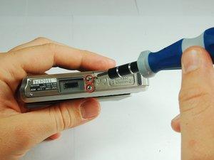 Démontage du boitier avant du Sony Cyber-shot DSC-T1