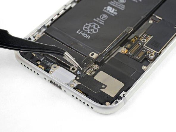 Remplacement de l'antenne de diversité Wi-Fi de l'iPhone 8