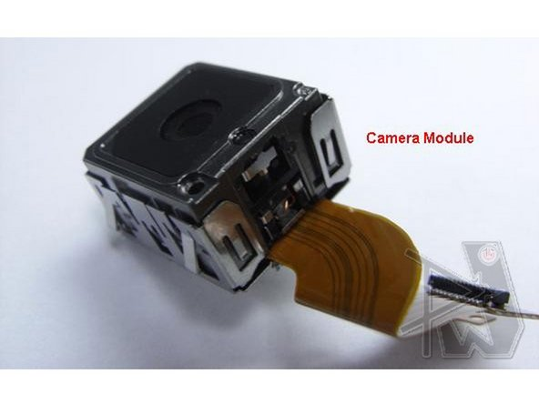 Finally, the camera module.  This 5.0MP camera, with the image sensor developed by Micron Technologies, was the leading cameraphone back in the day, and its beastly size definitely attests to that.