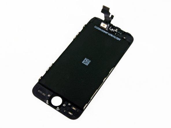 最后,一枚赤裸裸的 iPhone 5 液晶总成就呈现在你的面前。