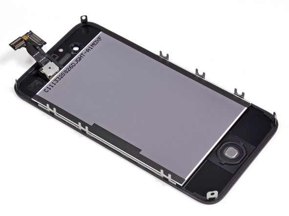 We find the same 960 x 640 pixel Retina display that debuted in the iPhone 4 last year.