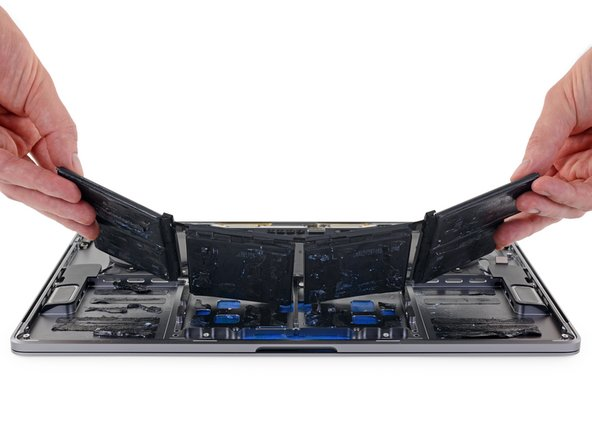 "MacBook Pro 15"" Touch Bar 2017 Battery Replacement"