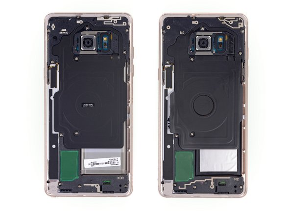 After finally prying that nasty glass panel off the back of the newest Note (spoiler alert: it's just as bad as last time), we get a peek at the refurbished hardware.