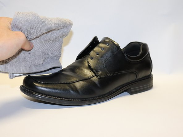 Clean your shoe, removing any dust or dirt that may be stuck to its surface.