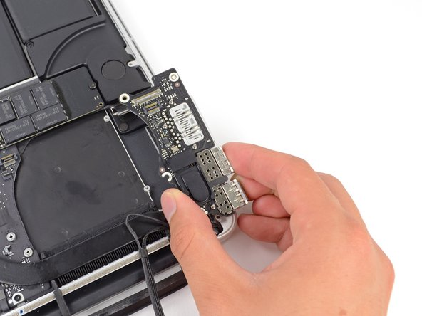 "MacBook Pro 15"" Retina Display Late 2013 I/O Board Replacement"