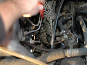 How to check the oil level in your Mercedes W123