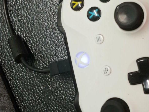 Xbox One Play & Charge Kit not charging with USB?