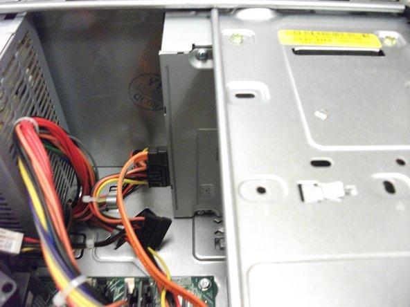 Remplacement du lecteur CD/DVD du Dell Inspiron 530