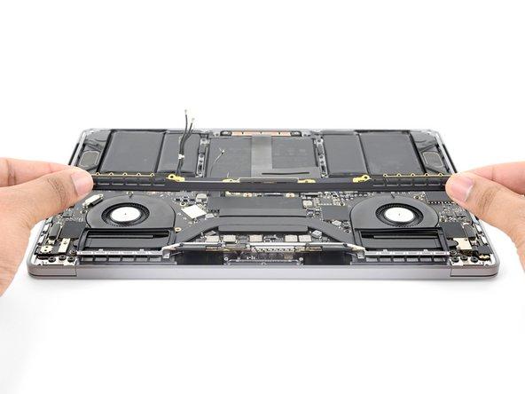 """MacBook Pro 13"""" Four Thunderbolt Ports 2020  안테나 바 어셈블리 교체"""