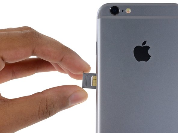 iPhone 6sのSIMトレイの交換