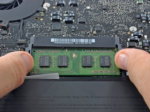 MacBook Pro (13 Zoll, Mitte 2010, Unibody) RAM ersetzen