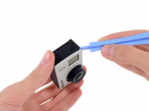 It has come to that time in the teardown where we finally have to reach for a tool. Not just any tool, but the always-appropriate plastic opening tool.